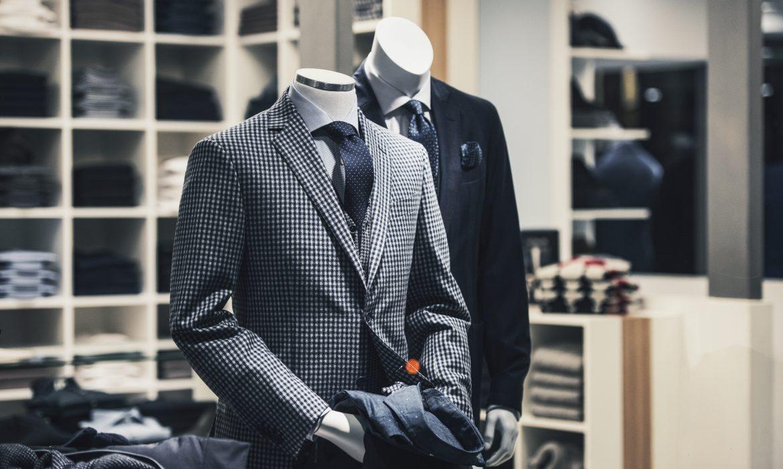 wear a necktie or a bow tie
